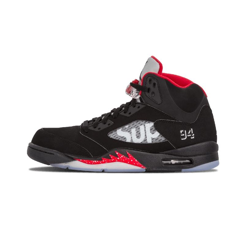 Supreme X Nike Air Jordan 5 メンズスニーカー ブラック/レッド