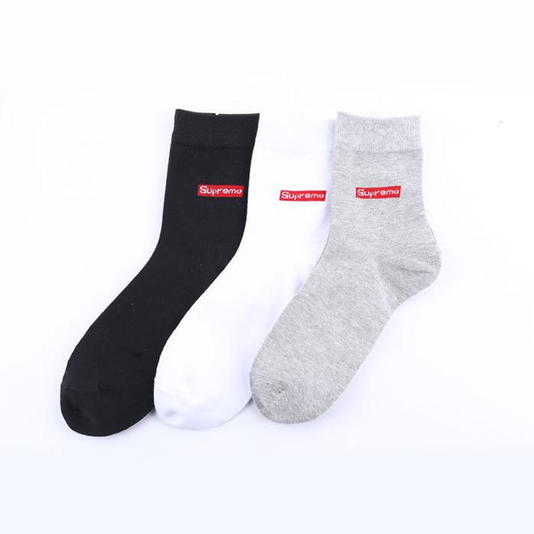 大人気☆Supreme Hanes Crew Socks☆ソックス☆black/white/grey